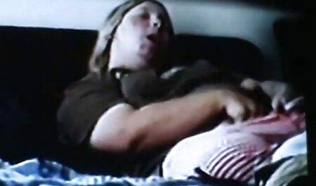Cutie sin experiencia videos porno de faking gratis haciendo tijeras durante su primera sesión de lesbianas