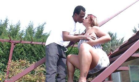 BLACK4K. Karina intercambio de parejas faking Grand en ropa interior de encaje hace el amor ...