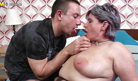 La milf americana Kelli necesita complacer su coño peludo faking porno gratis